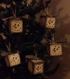 Primitive-Wood-Ornaments-Bowl-Fillers-Crackle-Christmas-Winter-Decor-Snowmen