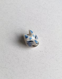 Cat Mask lapel pin Kitsune Mask, Cat Mask, 3 Shop, Lapel Pins, Sculpting, Polymer Clay, Silver Rings, Hand Painted, Cats