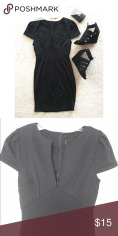 Deep V Tobi Dress Black dress from Tobi with a deep V in the front. Lighter picture to show detail. Worn once/never (I don't remember). Perfect condition! Tobi Dresses Midi