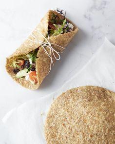 Een heerlijk en vooral gezond alternatief op de tortilla's die je in de winkel koopt: havermouttortilla's. Te vullen met jouw favoriete vulling naar keuze.