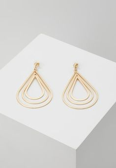 Drop Earrings, Gold, Jewelry, Style, Outfits, Ears, Boucle D'oreille, Locs, Swag