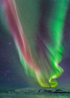 Una aurora, el volcán Öræfajökull y la constelación de Orión Esta sensacional fotografía fue tomada hace un mes en Islandia por el fotógraf...
