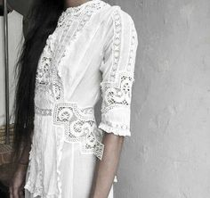 lace detail on white dress Fashion Mode, Look Fashion, Fashion Details, Womens Fashion, Bohemian Style, Boho Chic, White Lace, White Dress, Lace Dress