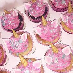 Unicorn Cupcakes, Pink Cupcakes, Unicorn Party, Hot Pink Cakes, Luxury Cake, Dessert Decoration, Chocolate Treats, Cake Shop, Buttercream Cake