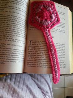 Crochet bookmark by CrochetBTW. Free crochet patterns available on my blog.