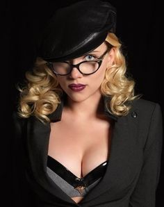 Scarlett Johansson is named out to be one of the renowned and one of the best celebrity stars on the international level. She is by profession an artist Scarlett Johansson, Jessica Biel, Hugh Jackman, Natalie Portman, Robert Redford, Dahlia Noir, Super Heroine, Ghost World, Natasha Romanoff