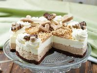 Find images and videos about food, delicious and cake on We Heart It - the app to get lost in what you love. Hungarian Desserts, Hungarian Cake, Hungarian Recipes, My Recipes, Sweet Recipes, Cookie Recipes, Dessert Recipes, Cold Desserts, Just Desserts