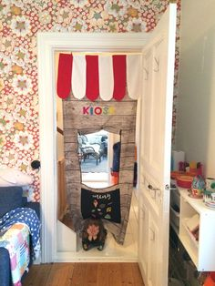 DIY kiosk made with fabrics from Ikea for kids room.
