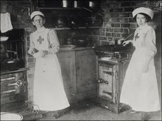 WW1 Images of Lincolnshire. Red Cross nurses