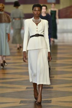 See all the looks from the show. Fashion 2018, Fashion News, Runway Fashion, Womens Fashion, Ulyana Sergeenko, Edgy Chic, Costume Design, Chic Outfits, Ready To Wear
