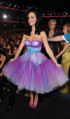 Katy Perry at the 2011 People's Choice Awards in Betsy Johnson. - Wow, check out Katy Perry, she's one smoking lady! *as a ballerina*