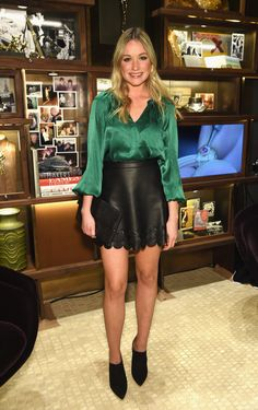 Katrina Bowden Loose Blouse - Katrina Bowden went for boho elegance in an emerald silk blouse with blouson sleeves during the David Yurman Soho boutique grand opening. Sexy Blouse, Blouse And Skirt, Dress Skirt, Beautiful Blouses, Beautiful Legs, Red Carpet Dresses, Satin Dresses, Office Outfits, Chic Outfits
