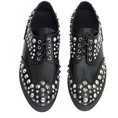 Camden studded brogues (€63) ❤ liked on Polyvore featuring shoes, oxfords, flats, platform oxford shoes, studded flats, wingtip oxfords, wingtip oxford shoes and leather flats