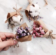 Kraft paper, use dried flowers Dried Flower Bouquet, Dried Flowers, Homemade Gifts, Diy Gifts, Flower Aesthetic, Flower Crafts, Creative Gifts, Vintage Flowers, Pretty Flowers
