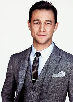 3 Piece suit, polka dot skinny tie... JGL is awesome.