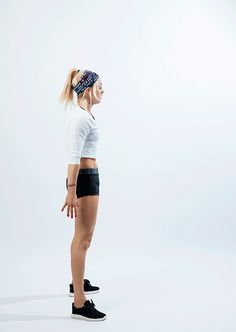 Get ready for the slopes with pro snowboarder Aimee Fuller as she shares her top six workouts.
