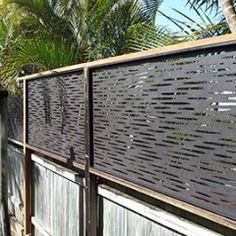 Zanziba - fence screening for side drive