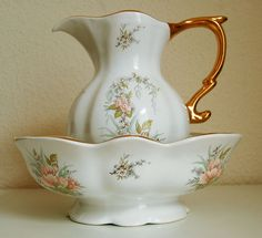 Antique Windsor Pottery Large Wash Basin and Jug.