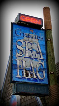 Gracie's Sea Hag, Depot Bay, OR  Photo by Bill Roush