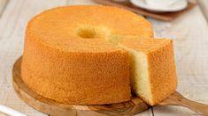 Το κέικ είναι το απόλυτο comfort snack. Γίνεται πανεύκολα ενώ τρώγεται παντού, τόσο στο σπίτι όσο και στο γραφείο. | TASTE | BOVARY | κέικ, Συνταγή, ΓΛΥΚΟ, σνακ, CHIFFON CAKE Chiffon Cake, Cornbread, Doughnut, Sweets, Cooking, Ethnic Recipes, Desserts, Food, Bakken