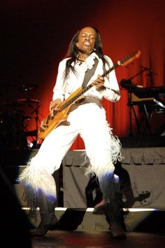 Bass Guitar Players Famous   verdine white bassist for earth wind fire