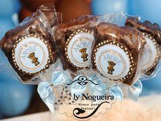Pirulitos de Pipoca Banhados com Chocolate Aly Nogueira