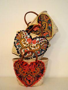 CB Diy Tote Bag, Diy Purse, Embroidery Bags, Art Bag, Boho Bags, Artisanal, Beautiful Bags, Mother Gifts, Purses And Bags