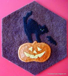 In the meantime, I have a few of my wool hexagons finish. Wool Applique Patterns, Felt Applique, Wool Embroidery, Embroidery Stitches, Pumpkin Quilt Pattern, Wool Felt, Felted Wool, Halloween Embroidery, Crazy Quilt Blocks