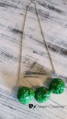 Chunky Beaded Necklace Vivid Green Funky by HannahsHankerings