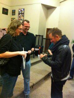 Chris Tomlin signing autographs