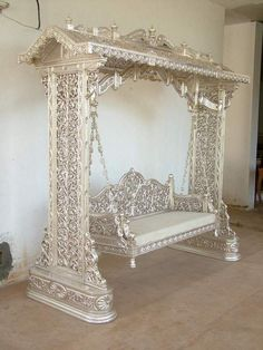 Wedding Stage Swing 02 This is an Indian product for a wedding, but the intricacy of it blew me away is part of Silver furniture - Silver Furniture, Victorian Furniture, Glitter Furniture, Industrial Furniture, White Furniture, Luxury Furniture, Antique Furniture, Unusual Furniture, Reproduction Furniture
