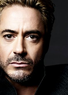 Man portrait face of actor Robert Downey Jr.   For more hot men, 8cd5303bd4