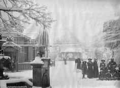 Snow carpeted Chowrasta from 1907 Darjeeling, Old Photos, Snow, India, Smile, Queen, Photography, Travel, Painting