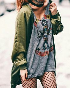 22 Grunge Outfits ideas with Fishnet Tights - Ninja Cosmico Tumblr Outfits, Mode Outfits, Casual Outfits, Fashion Outfits, Punk Outfits, Fashion Boots, Rock Chic Outfits, Cute Grunge Outfits, Edgy Summer Outfits