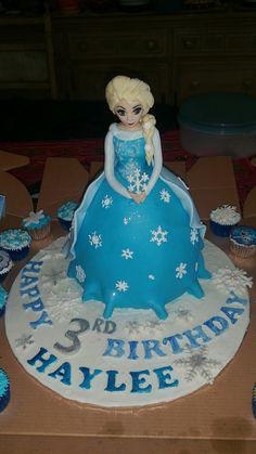 Frozen Birthday cake by Ravona Kamduth