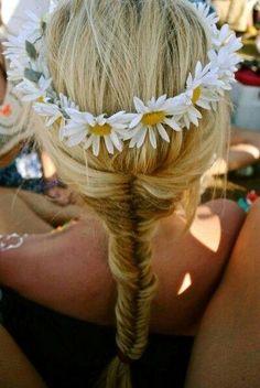 Fishtail plait with daisies