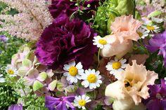 Bouquet with sunflowers, Margerite, Nelke, luftiger Blumenstrauß, Foto Birgit Puck