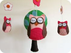 Owls are the hot baby room item right now, sooo cute!