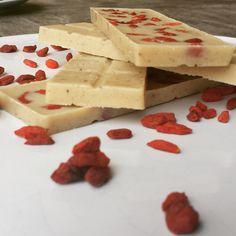 ¸.•*´RAW-Goji-Chocolate`*•.¸  Rezept gibt`s auf meinem Blog:) www.emmakochtgruen.weebly.com