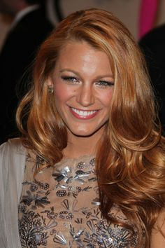 I would love to dye my hair this color! Dunno if I'm that brave though