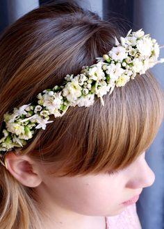 ma fleur - blog o kwiatach Childrens Hairstyles, Girls Crown, Arte Floral, First Communion, Flower Crown, Hair Band, Flower Designs, Flower Power, Holi