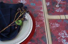 Table runner and place mats in handmade Christmas pattern Parsley Leaves.