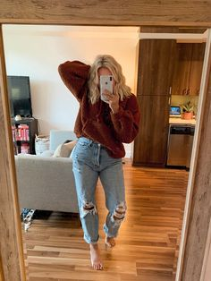 everyday outfits for moms,everyday outfits simple,everyday outfits casual,everyday outfits for women Simple Fall Outfits, Cute Casual Outfits, Fall Winter Outfits, Cold Weather Outfits For School, Fall Outfits For School, Casual Fall, Ootd School Summer, College Winter Outfits, Cute Jean Outfits