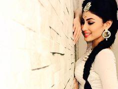 Mouni Roy - Most Beautiful Indian Women 2017 Poll Indian Celebrities, Bollywood Celebrities, Bollywood Actress, Indian Tv Actress, Indian Actresses, Mouni Roy Dresses, Self Portrait Poses, Pretty Zinta, Mouny Roy