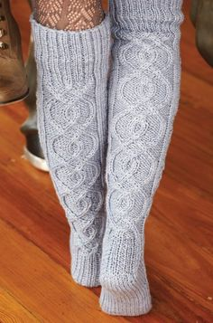 Blonde_with_a_ball - Дневник Blonde_with_a_ball Cable Knit Socks, Knitting Socks, Socks And Heels, Thigh High Socks, Knitting Accessories, Boot Socks, Wool Sweaters, Leg Warmers, Villa