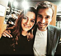 Çok yakışmıyorlar mı ? Perfect Couple, Photo Quotes, Turkish Actors, Snapchat, Wattpad, Actresses, T Shirts For Women, Couples, My Love