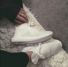 Amazon.com  women s adidas shoes - Shoes   Women  Clothing b11f9a501d