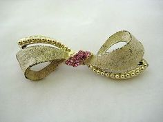 Vintage Bow Brooch Pin Textured Gold Tone & Pink Rhinestone     ....SOLD