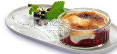 Miešané ovocné brûlée Eat Seasonal, Creme Brulee, Fresh Fruit, Philadelphia, Panna Cotta, Strawberry, Pudding, Cake, Ethnic Recipes