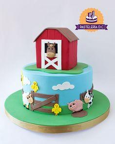 Torta con temática de granja / Farm Animals cake. Farm Birthday Cakes, Animal Birthday Cakes, Farm Animal Birthday, 1st Boy Birthday, Farm Animal Cakes, Farm Animal Party, Farm Party, Farm Animals, Elegant Cake Pops